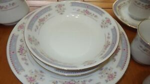 Fine-China-Dinnerware-Set-China-Pearl-Catherine-Service-8-mostly-43-pieces-EUC