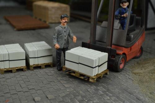 Gehwegsteine auf Palette Spur 1 Nr 140//21