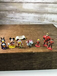 Vintage-Disney-Miniature-Mini-Vinyl-Figures-Figurines-Lot-Of-8-Pooh-Mickey-Dumbo