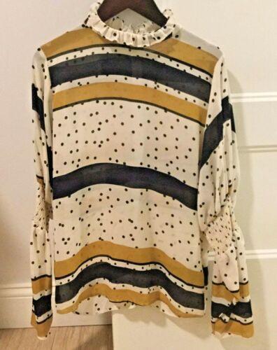 Pinkyotto ruffle collar elegant top