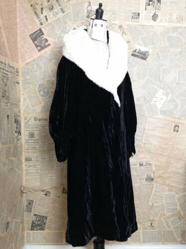 Vintage 1920's silk velvet opera robe, opera coat,