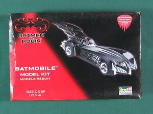 Batman-and-Robin-Batmobile-1-25-Revell-Monogram-6724