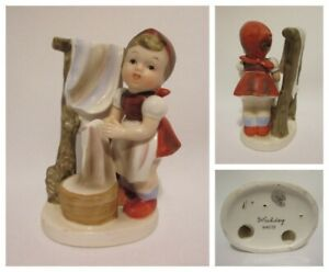 Napco-Japan-Washday-Girl-Figure-Porcelain-Vintage-Collectible-Laundry-Day