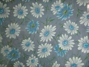 Vtg-Sheer-Crisp-Fabric-BIG-Flocked-White-Daisies-Turquoise-Blue-44-034-x-3-yds