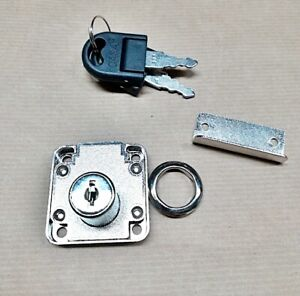 serratura universale in acciaio a cilindro Ø mm 20x20 per cassette posta vetrine