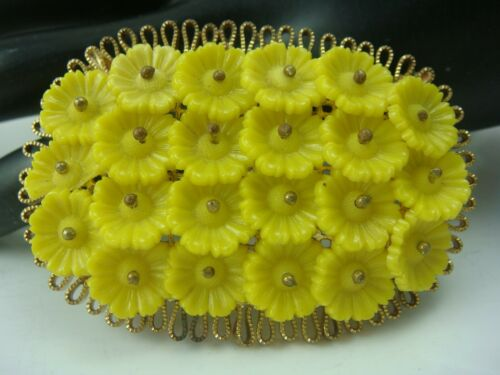 VINTAGE 1940'S YELLOW MOLDED GLASS FLOWER CLUSTER