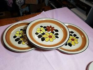 Set-Of-4-Fashion-Manor-Stoneware-Dinner-Plates-In-The-Daisy-Vale-Pattern-Japan