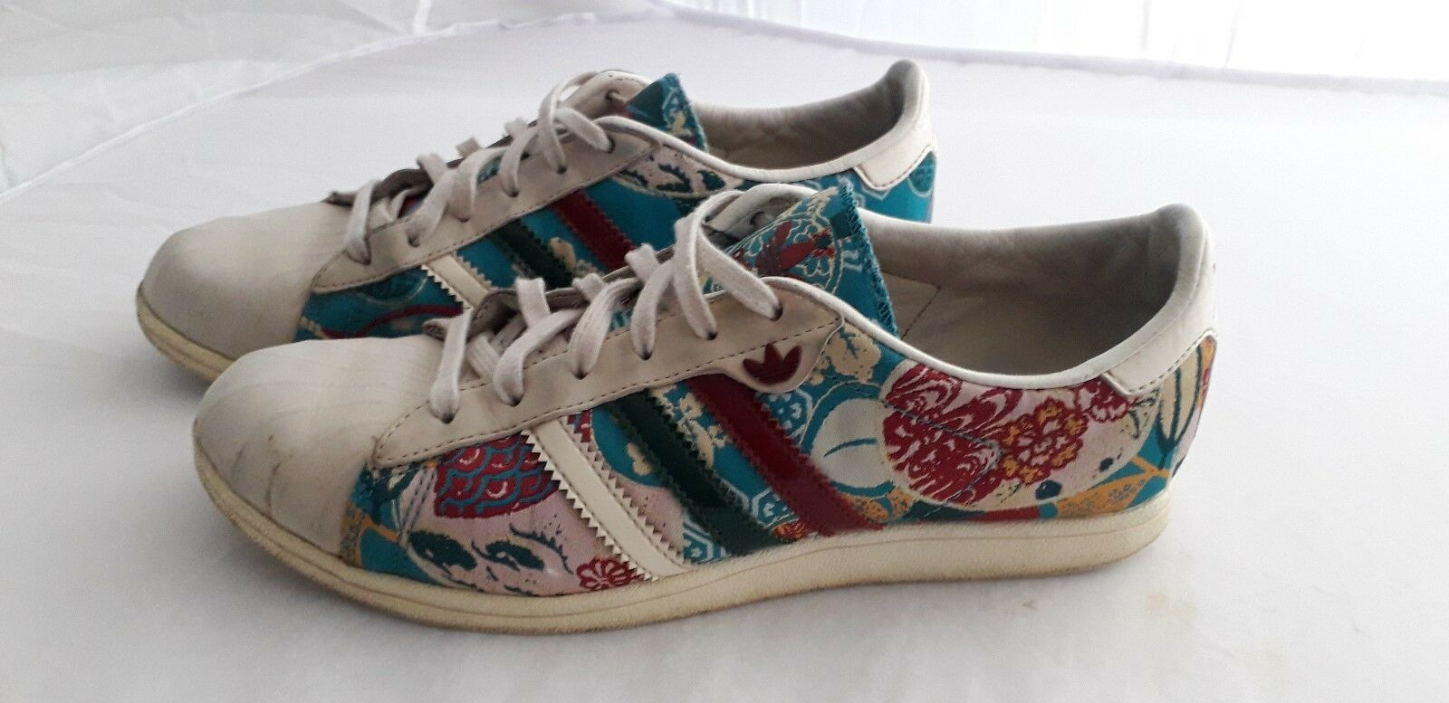 Adidas Vintage (rare) size 4 turquoise pumps. FAST POSTAGE