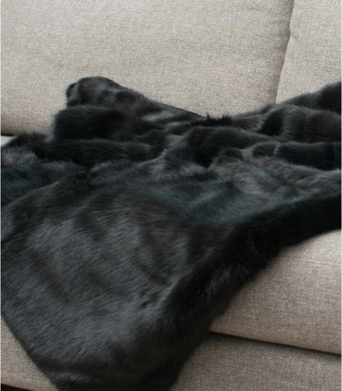 CouGrünure de lit en vison d'elevage