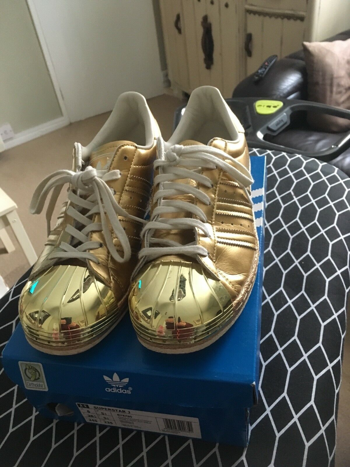 ADIDAS SUPERSTAR GOLD 80'S METALLIC UNISEX TRAINERS LIMITED EDITION SIZE UK 6