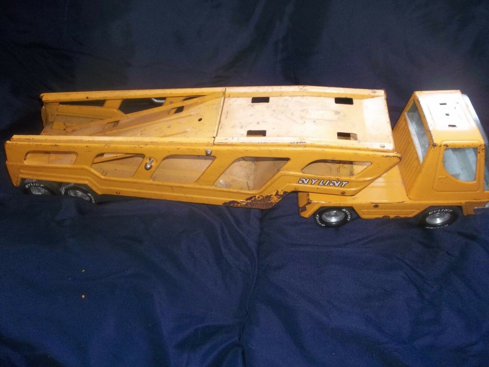 Nylint Toys Turbo Power Car Hauler Carrier