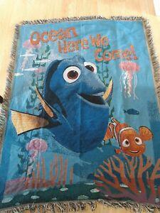 Disney-Pixar-Finding-Nemo-Tapestry-Blanket-Throw-Dory-46-034-x-60-034-Decorative