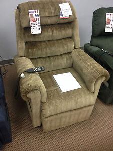 Golden Lift Chair 756 Relaxer Lift Chair Large Zero Gravity