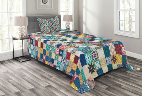Ornate Patchwork Motif Print Moroccan Quilted Bedspread /& Pillow Shams Set