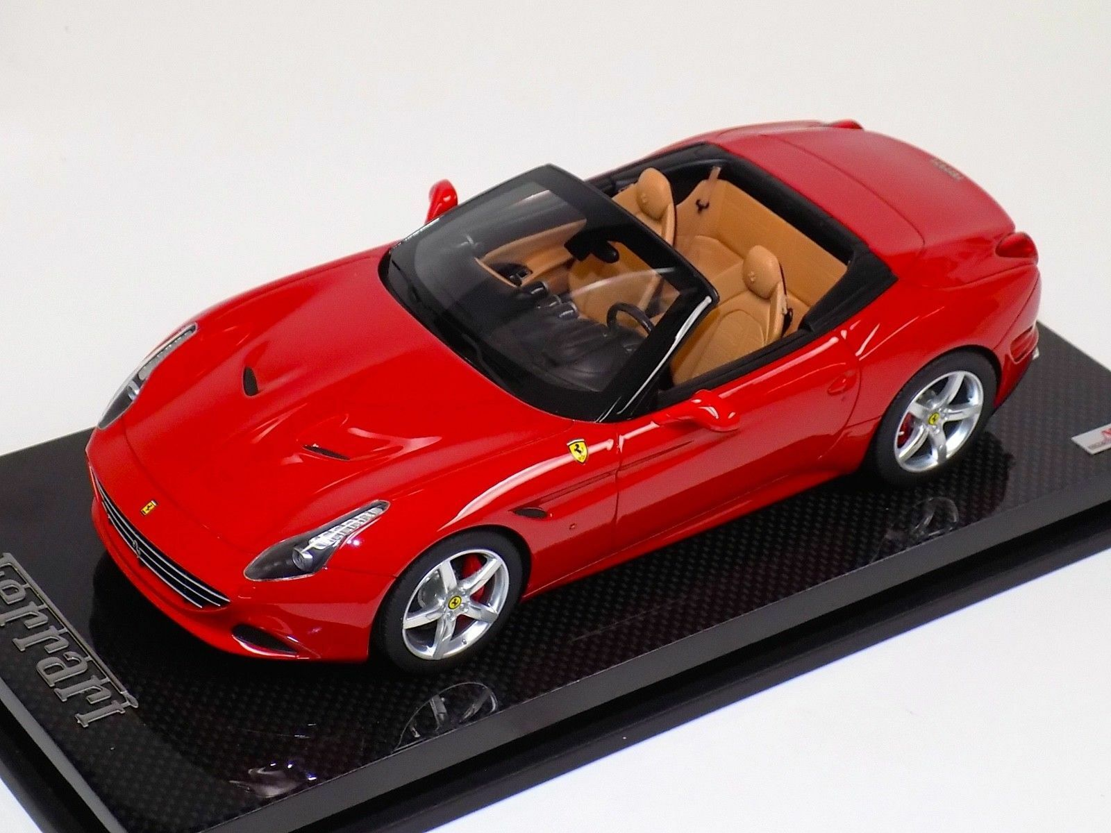 1 18 MR Collection Ferrari California T open top red Corsa Carbon Base