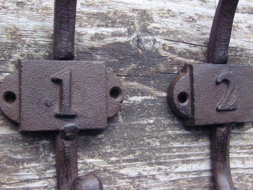2 3 drei Kleiderhaken Gusseisen je 18cm hoch Drei Wandhaken nummeriert 1