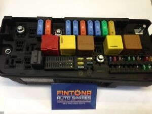 Details about Vauxhall Vectra C / Signum Front Fuse Box UEC 13144711 on