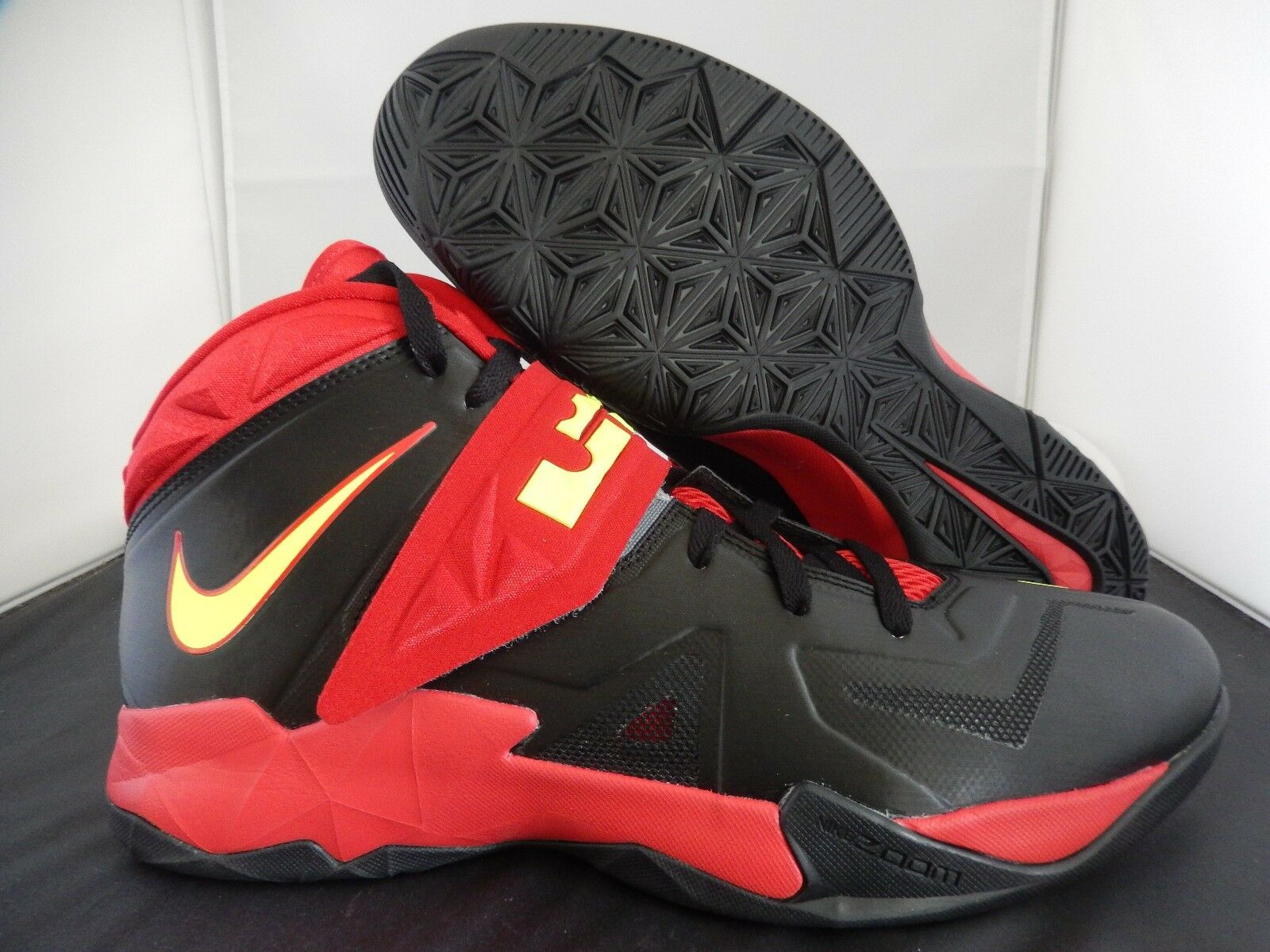 NIKE ZOOM SOLDIER VII 7 ID BLACK-RED-VOLT SZ 12.5 [626958-991]