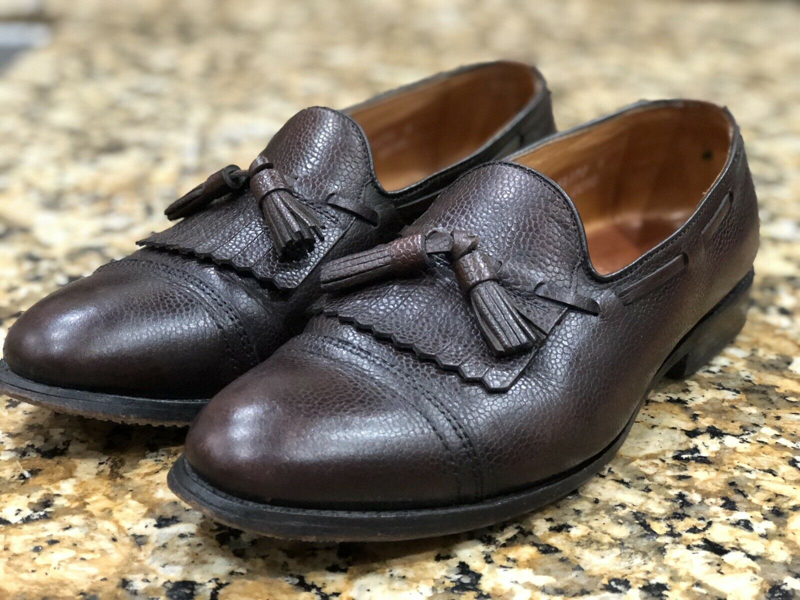 Allen Edmonds Dalton pebble grain loafers 9.5D