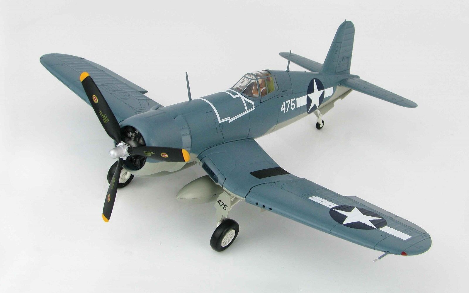 HOBBY MASTER 1 48 HA8216 F4U-1 Corsair FIGHTER  VMF-214, Russell Islands 1943