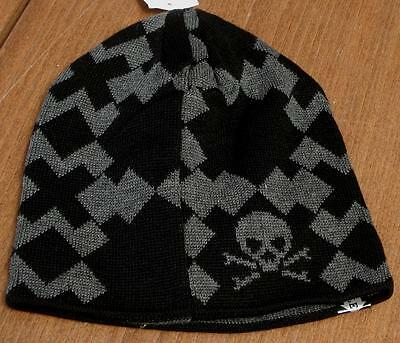 Aquarius Boys Black with Gray Skull Reversible Winter Beanie Hat