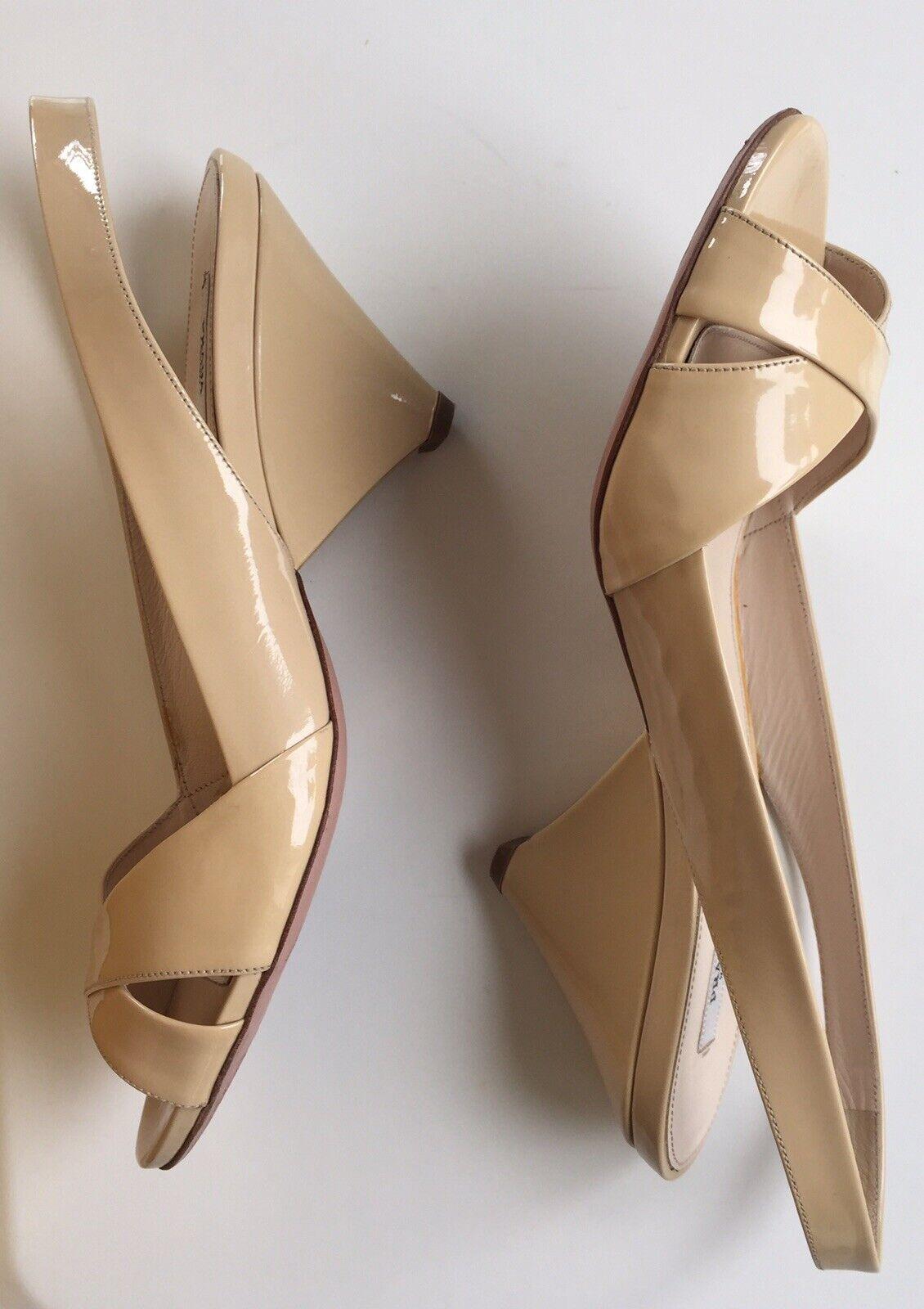 Prada Sandalias De Diseñador Brillante Beige Cuero