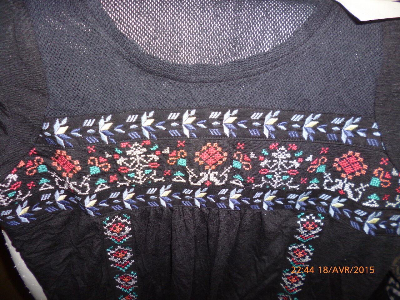 IKKS   t-shirt ref XF10194  neuf, étiqueté col printemps été 2015 valeur 59.