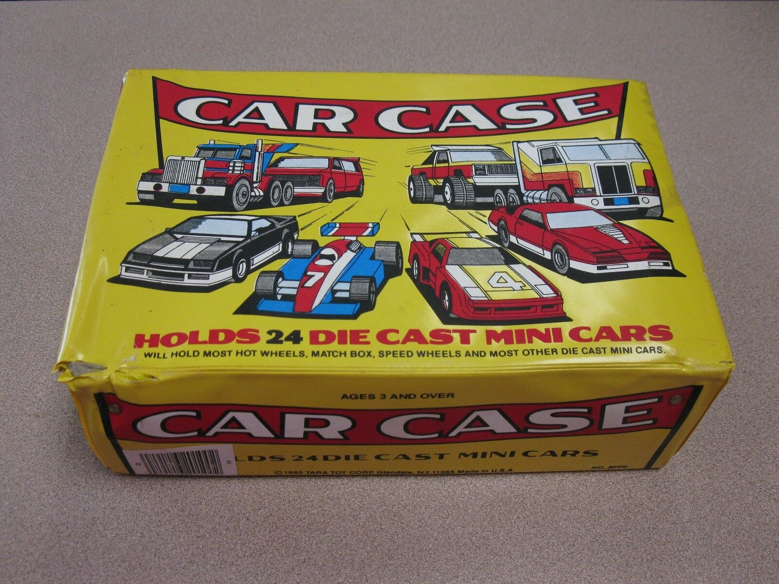 Vintage diecast CAR CASE With  collectable diecast cars included