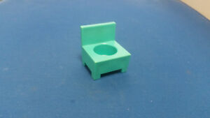 Vintage-Fisher-Price-little-people-blue-chair-Hospital-931