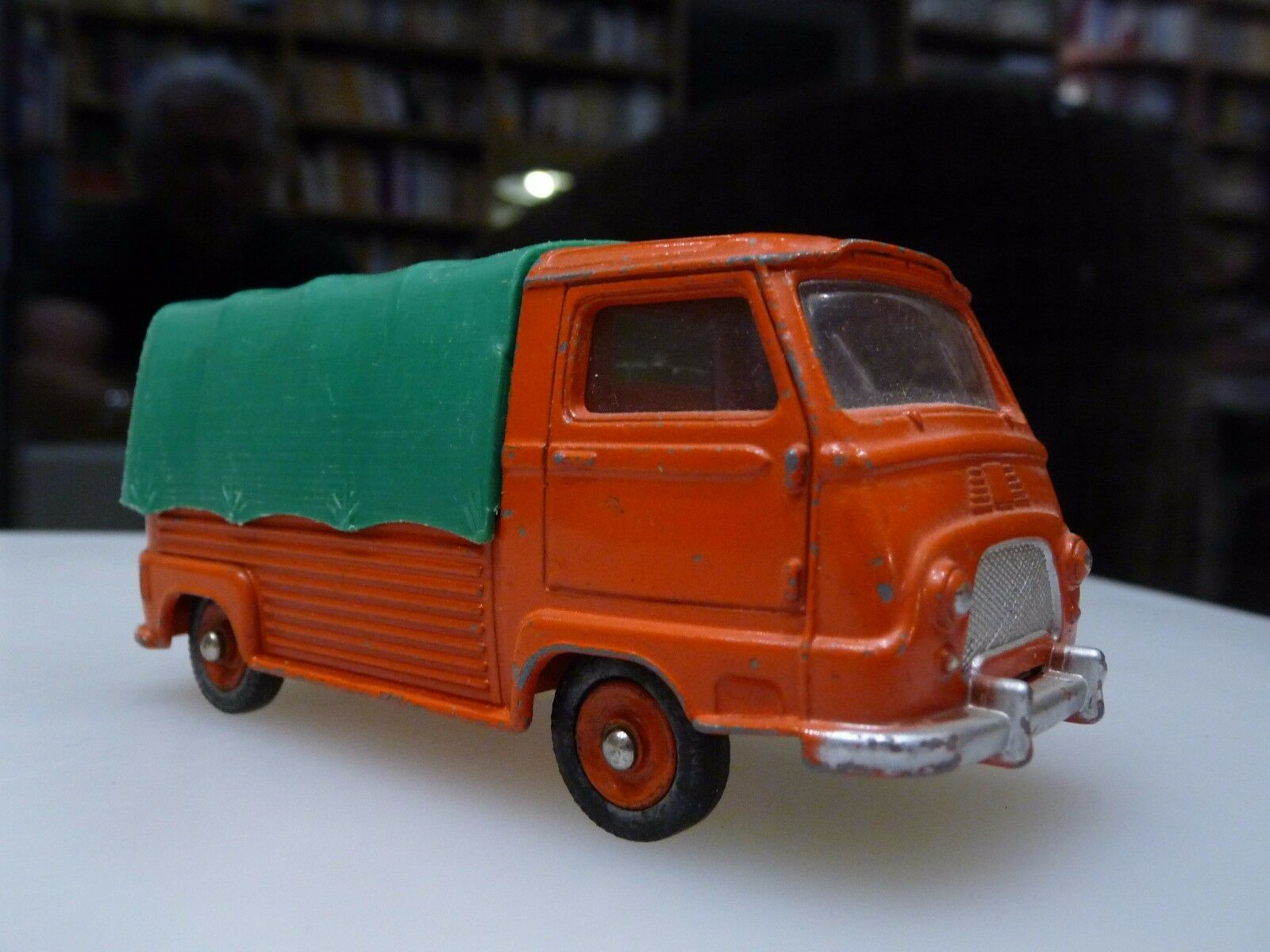 Superbe   Estafette Renault Pick-up DINKY TOYS 563 Excellent état