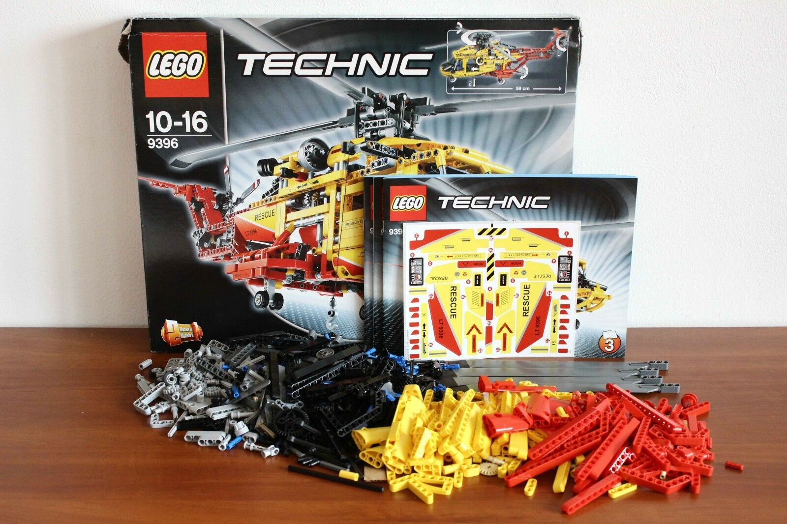 Lego Technic Model Airport Set 9396-1 Helicopter 100% cmpl. + instr. + box