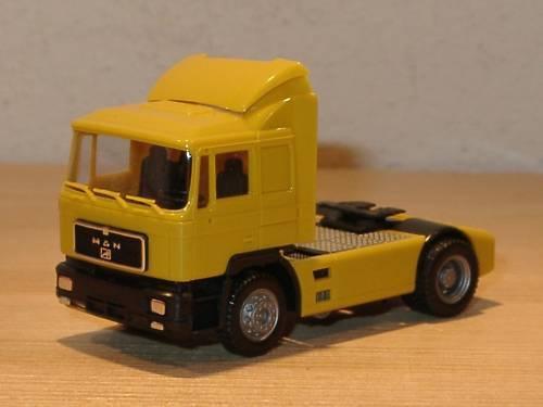 HERPA Nr.142021 MAN F90 Solo-Zugmaschine blau OVP