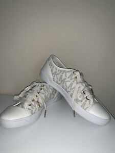 NEW-MICHAEL-Michael-Kors-MK-Signature-City-Sneakers-Off-white-Cream-sz-7-7-5