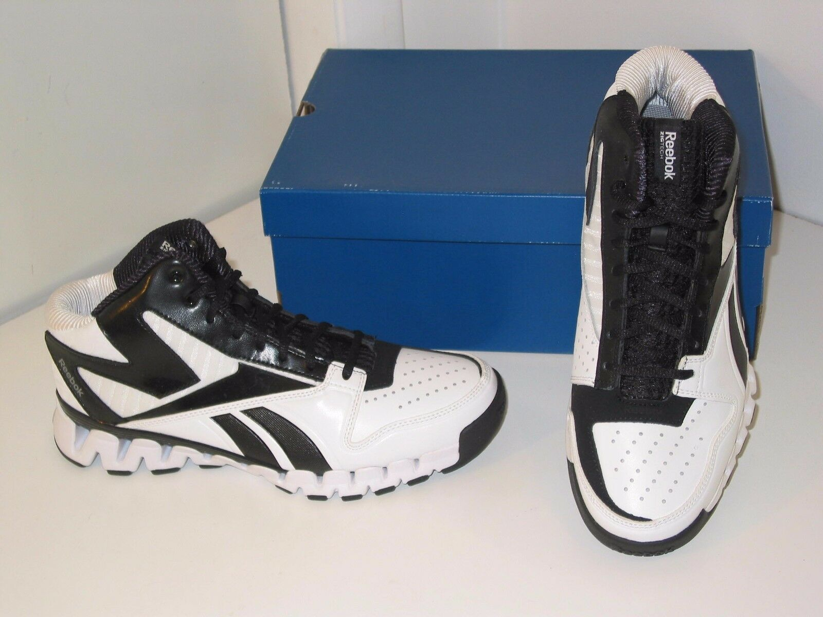 Reebok Zignano Profury Basketball Running White Black Sneakers Shoes Mens 8.5