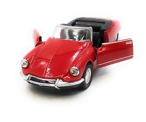 Maquette-Citroen-DS-19-Voiture-Ancienne-Rouge-Cabriolet-Auto-1-3-4-39-Licence