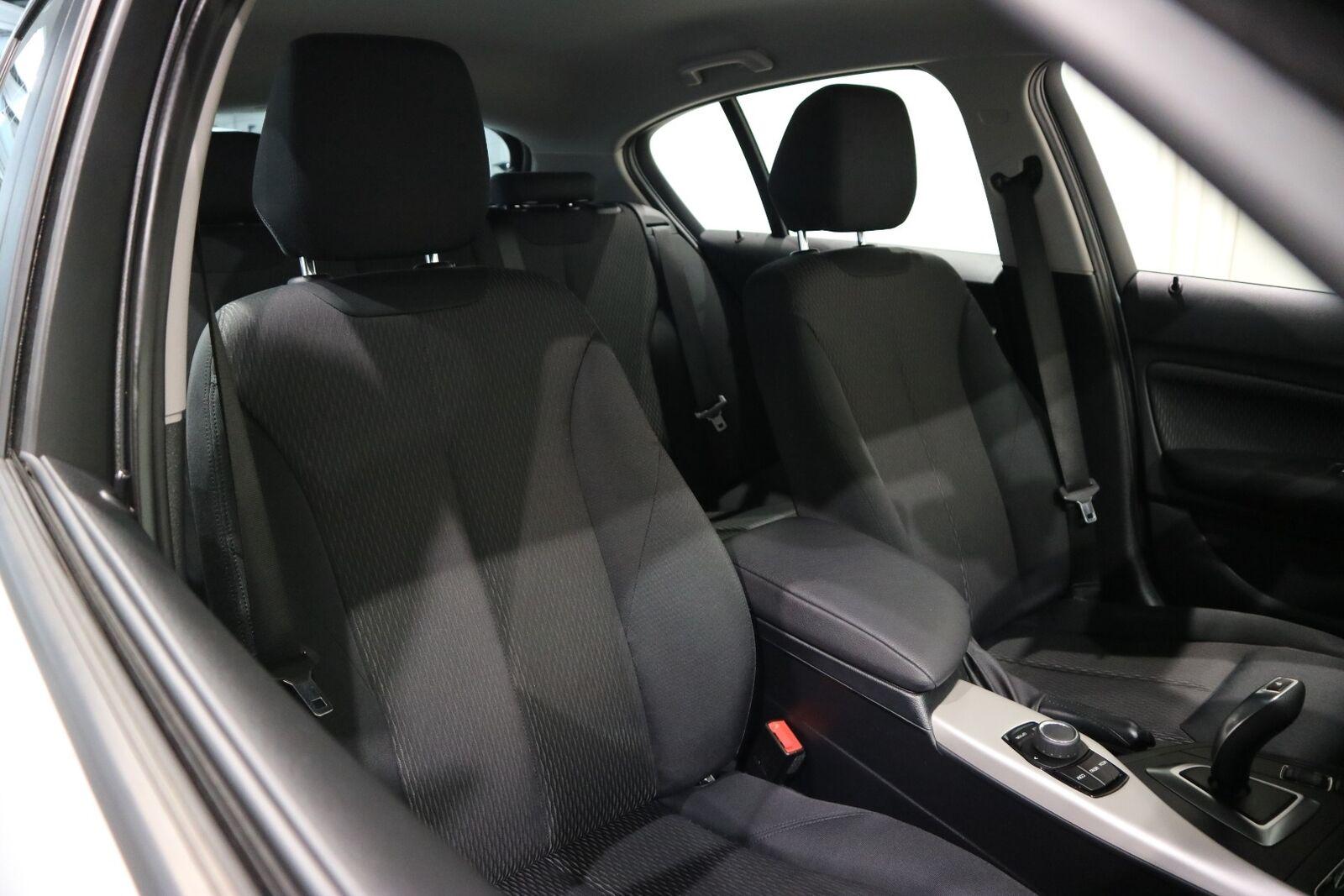 BMW 118i 1,5 Connected aut. - billede 13