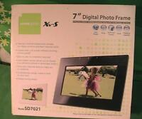 Hannspree 7 Inch Digital Photo Frame