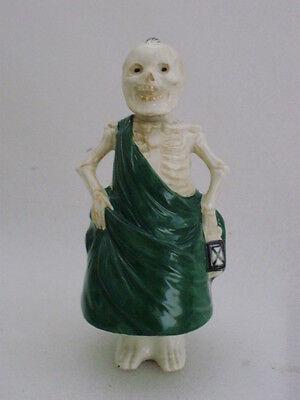 Nodder Skull Figurine Porcelain Decoration Ernst Bohne and Sons German