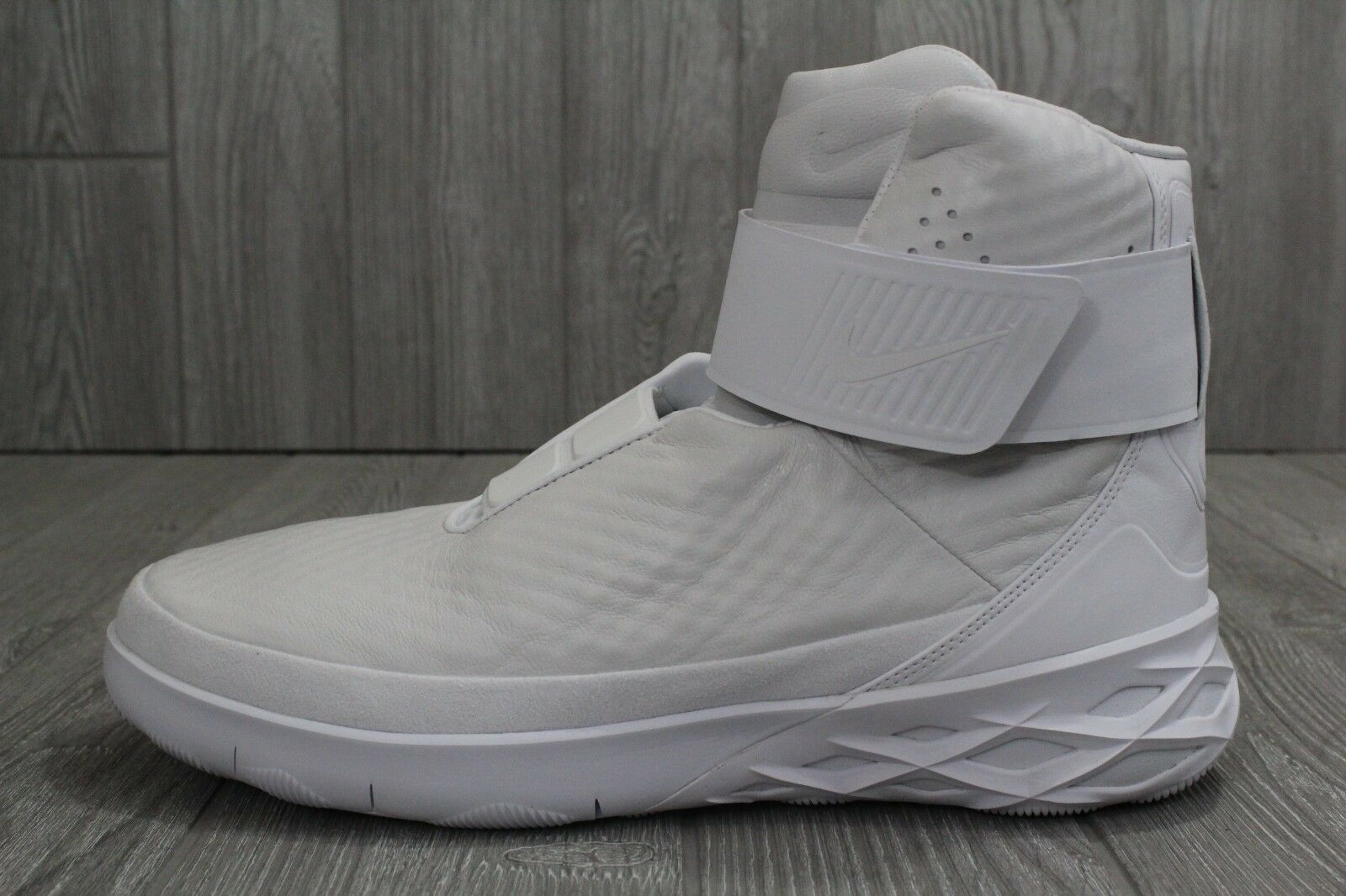 27 New Mens Nike Swoosh Hunter HNTR 832820 101 White Yeezy Leather Shoes 11 11.5