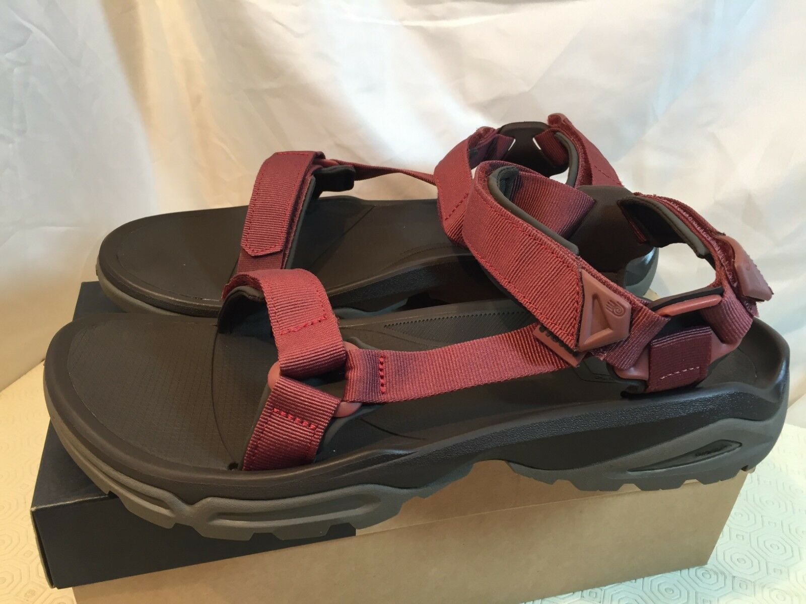 776510e01ec8 Teva Men s Terra Fi 4 Sports and Outdoor Hiking Sandal FIRETREAD ...