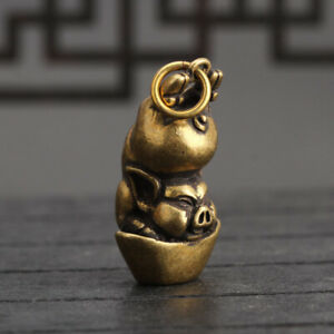 Chinese-Collection-old-Antique-Brass-Zodiac-pig-Exquisite-Key-buckle-Pendant