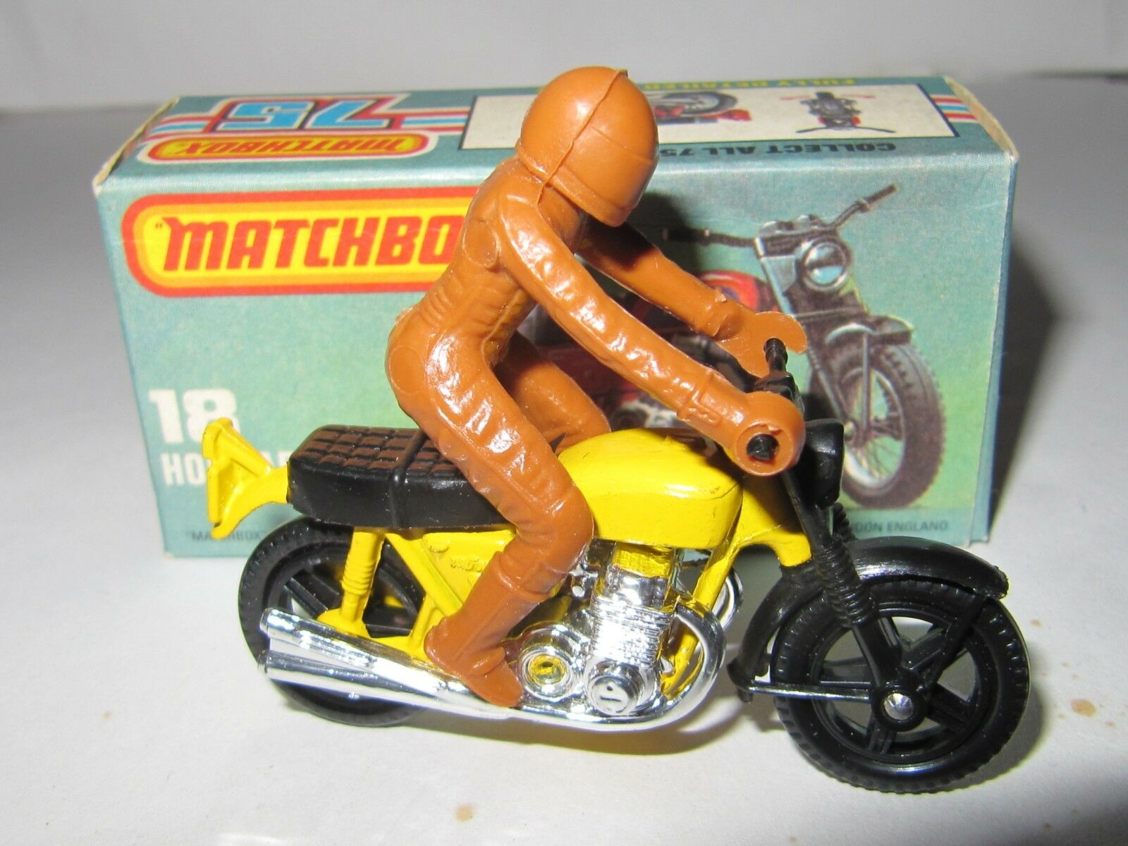 MATCHBOX SUPERFAST No.18 HONDARORA - YELLOW WITH RIDER MIB