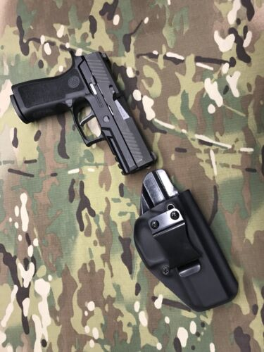 Black Kydex IWB Holster for SIG P320 X-Carry