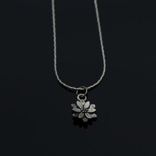 Très fin Collier mini Fleur au style Tibétain