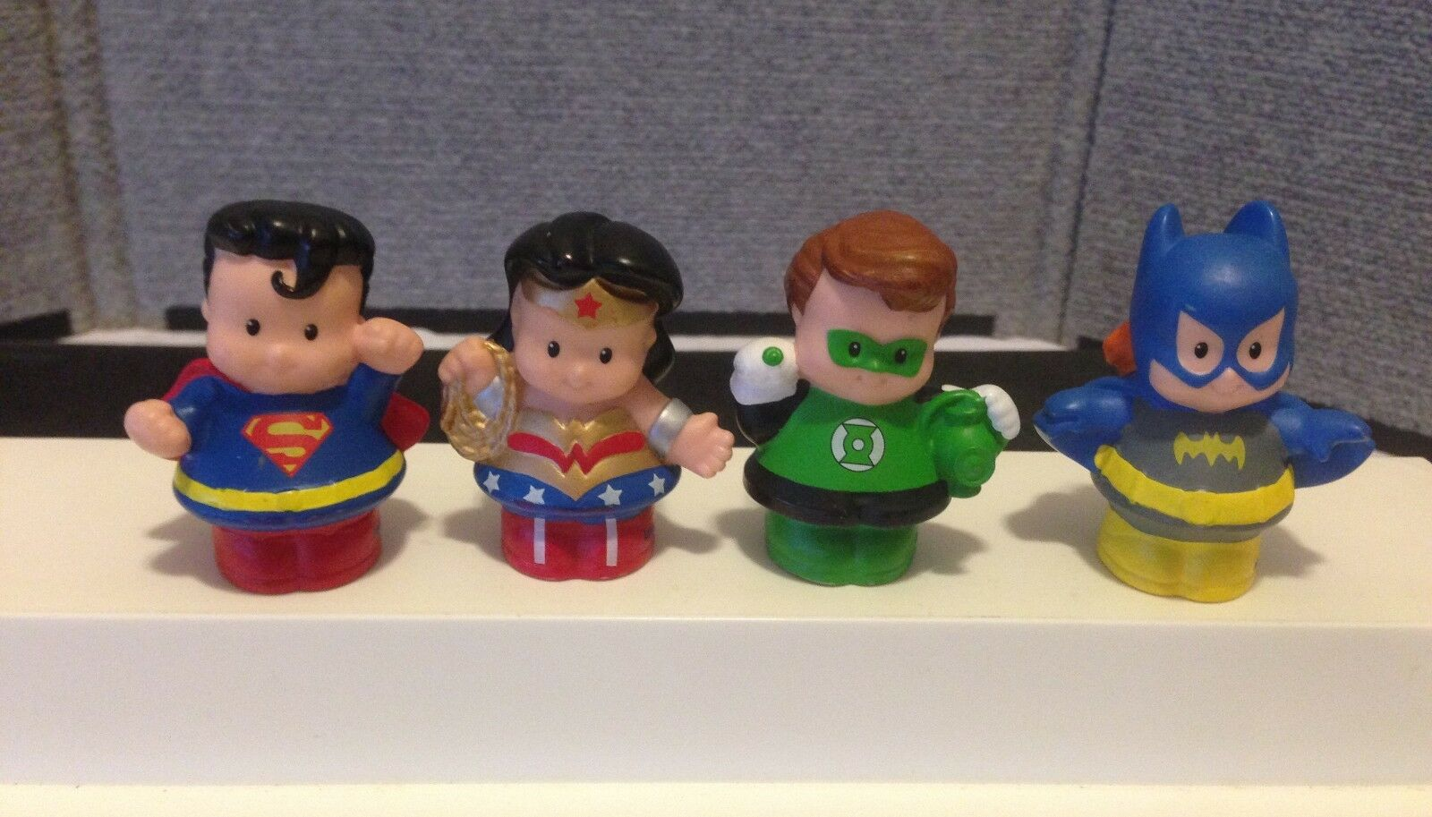 LITTLE PEOPLE DC SUPER HERO LOT WONDER WOMAN, BATGIRL, GREEN LANTERN, & SUPERMAN