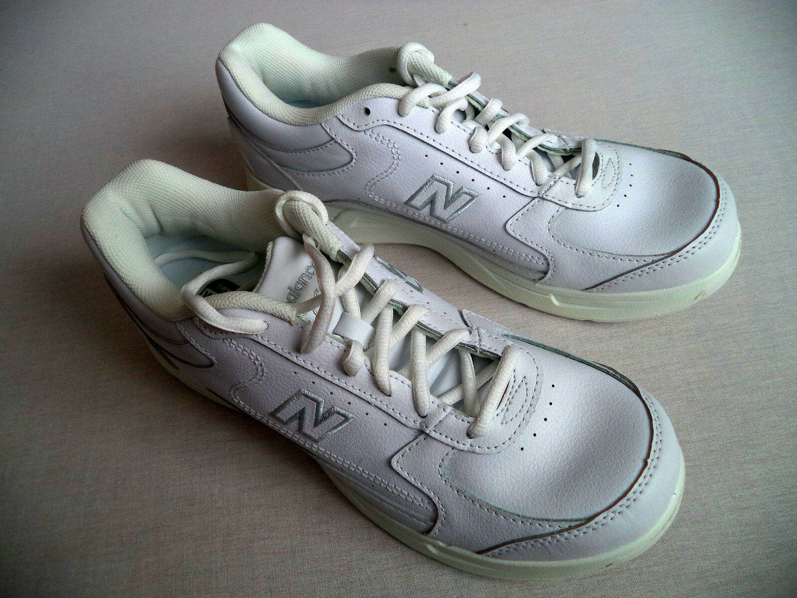 Womens NEW BALANCE 576 walking shoes sz 9.5 2A fitness gym DSL-2 nurse service