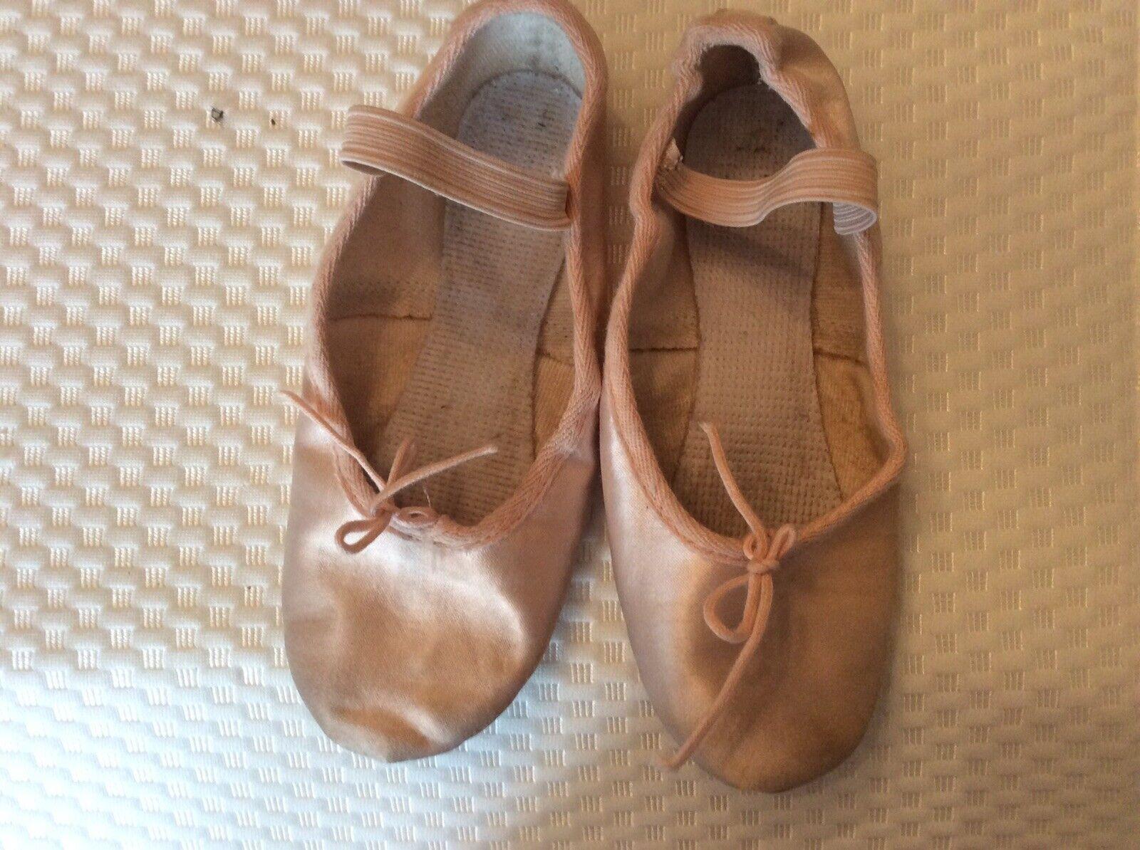 RV Ballet Shoes Size 1
