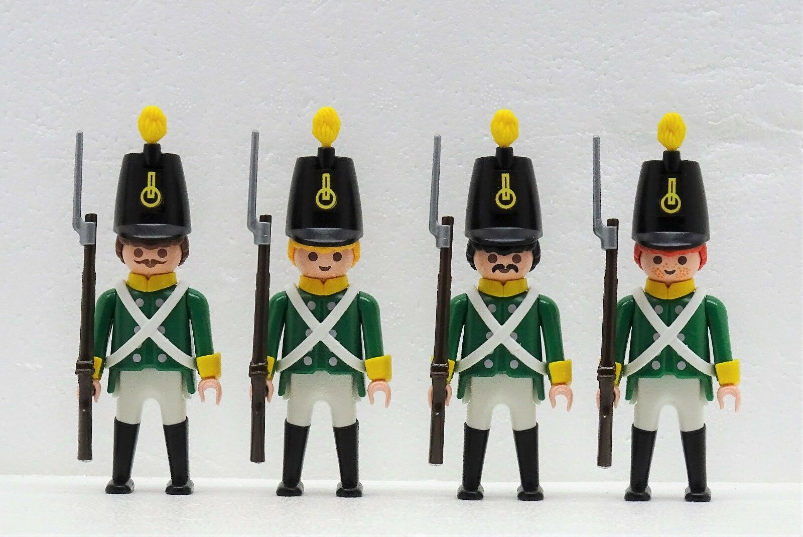 4 x GRÜNROCK SOLDAT Playmobil zu Tschako Kreuzgurt Stiefelbeine Grünröcke 3859