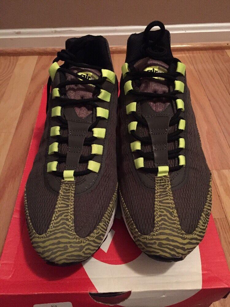 Nike Men's Air Max 95 Prm Tape Newsprint Dusty Grey Black Vlt Running shoes