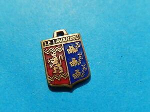 Medaille pendentif BLASON VINTAGE ARMOIRIE VILLE EMAILLE le lavandou dauphin